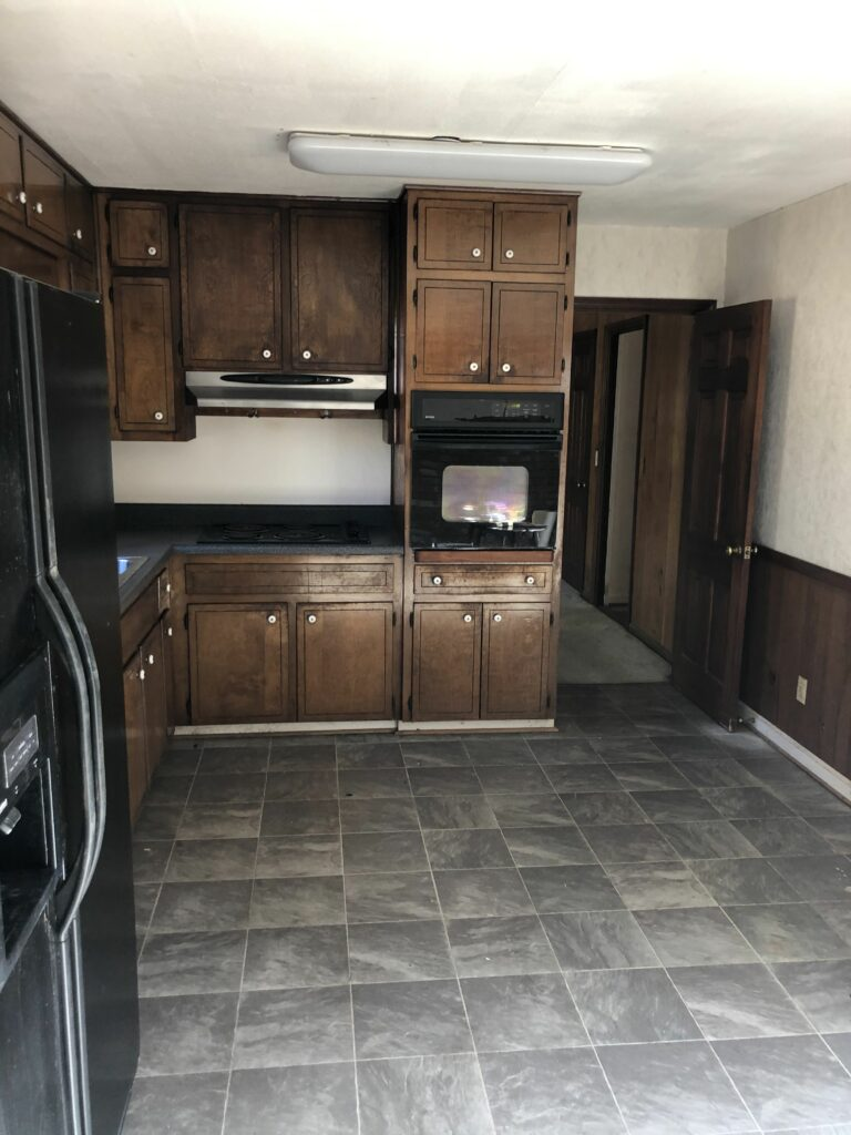 Whitlock Ave Before Kitchen
